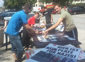 1 Skaliert 600 Rüthrich Plakate gegen Nazis